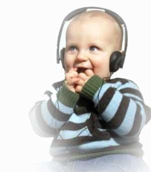 bebekler ve bebeklere müzik dinletmek