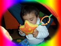 Mehmet Sertkaya Zeynep Sertkaya - Anne babalar çocuklarının renklere yöneldiğini fark edeceklerdir - Mehmet Sertkaya gökyüzü oyuncağıyla